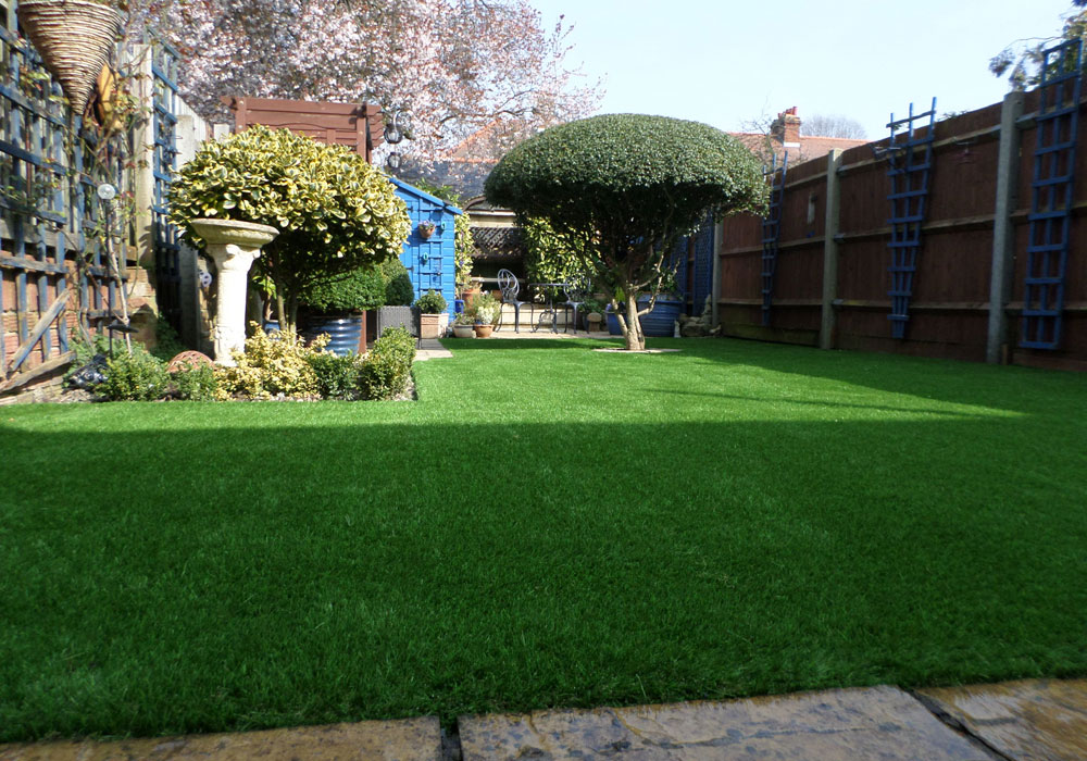 Urban Garden Ideas on a Budget I Perfect Grass Ltd