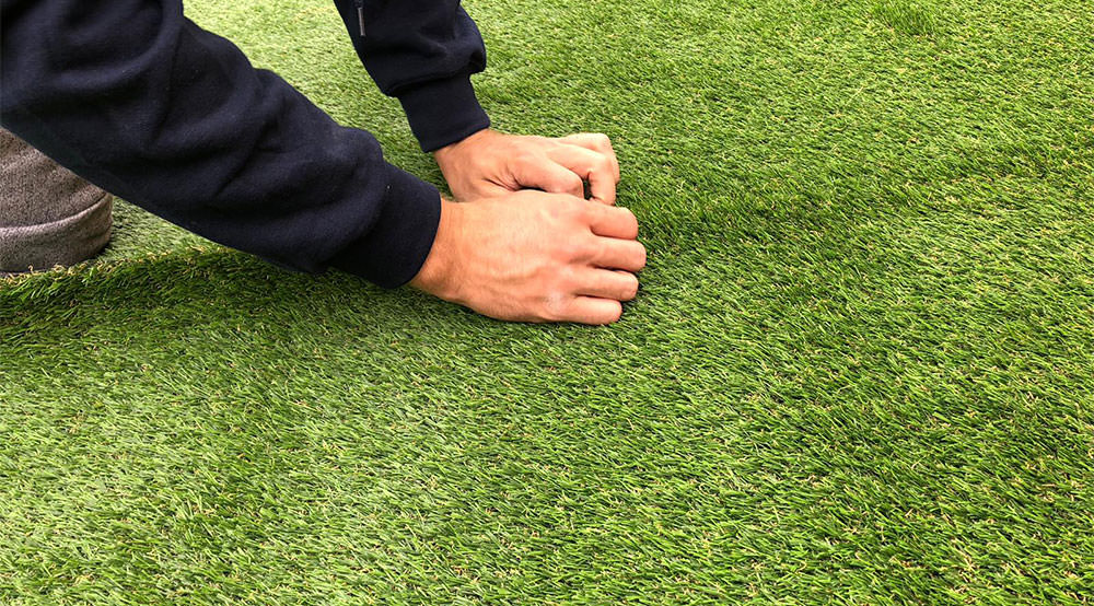 Butting artificial grass