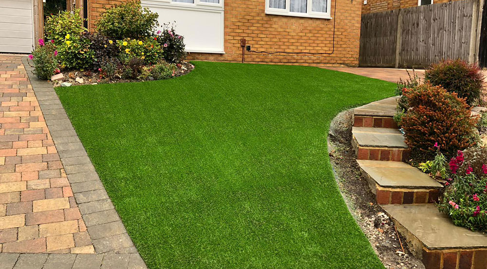 Fitting artificial grass