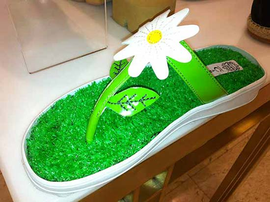 Synthetic Grass Shoe