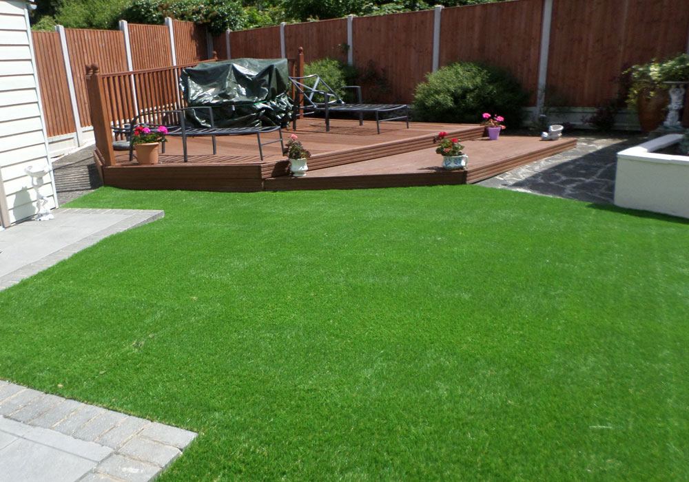 Perfect grass ltd back gardens perfect grass ltd for Landscaped back gardens
