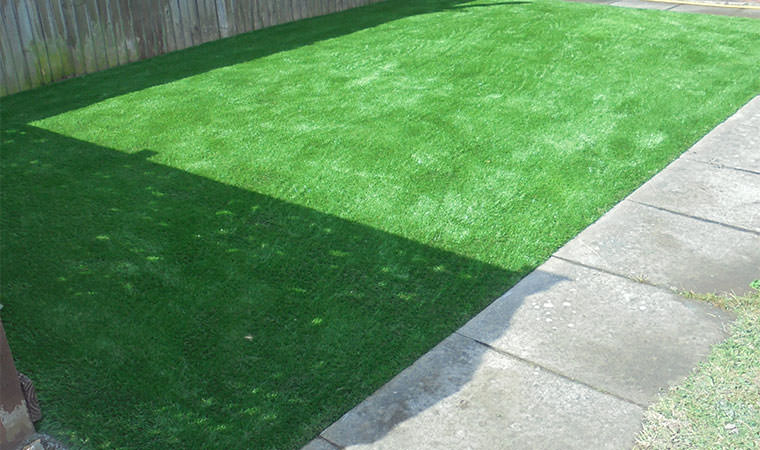 Retired property owners in Blackfen opt for artificial grass