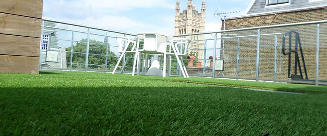 How to install artificial grass roof garden