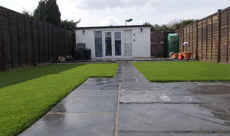 Scruffy Garden Lawn Wih Poor Edging Great Garden Lawn Edging Idea For  Artificial Grass Lawn