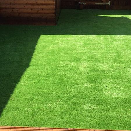 Artificial grass in bexley i perfect grass ltd for Garden idea ht 450