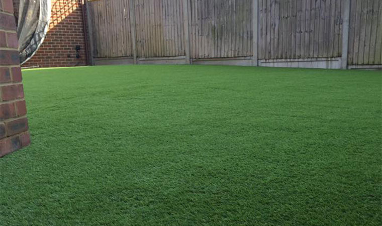 Installed artificial grass in chaford hundred