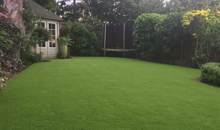 Fitted artificial grass in Upminster