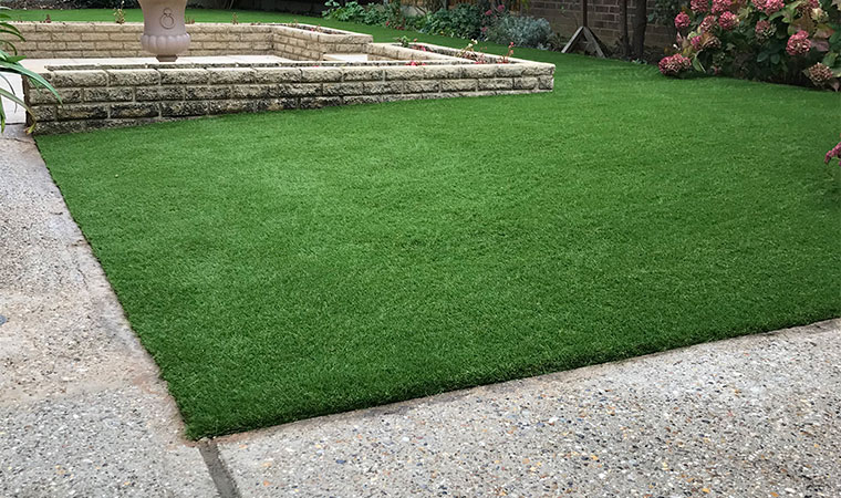 Retired gentlemans artificial_grass lawn southend on sea