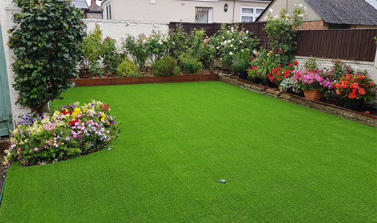 Fitted artificial grass Plumstead