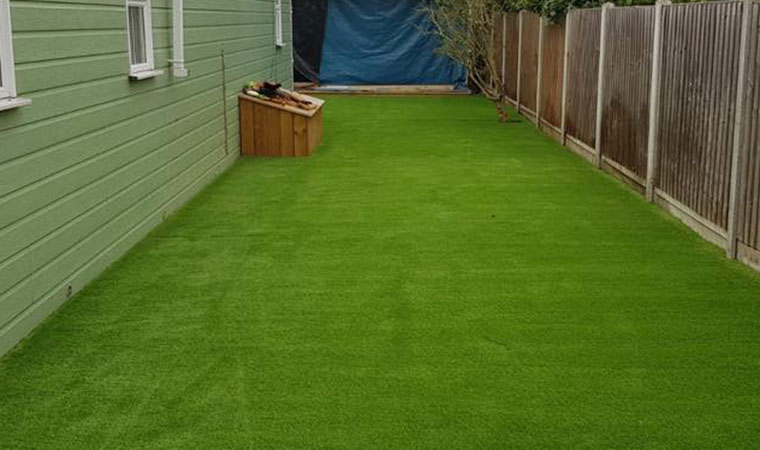 Artificial lawn Grays completed