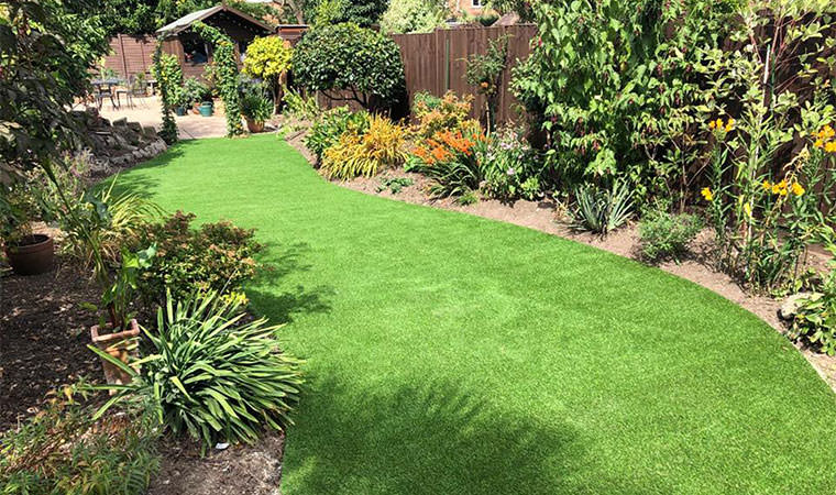 Finished curved lawn Bexleyheath