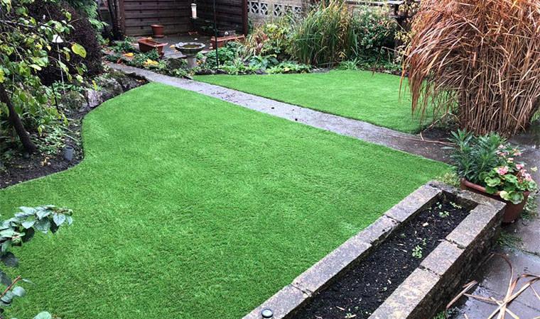 Curves artificial grass