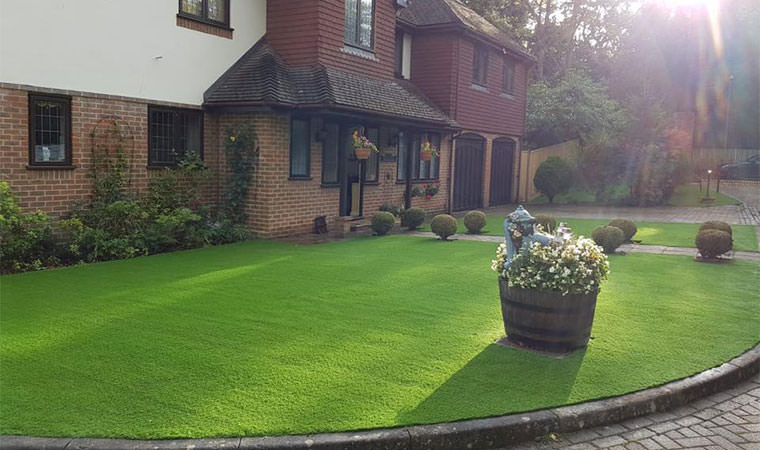 Chislehurst garden artificial grass