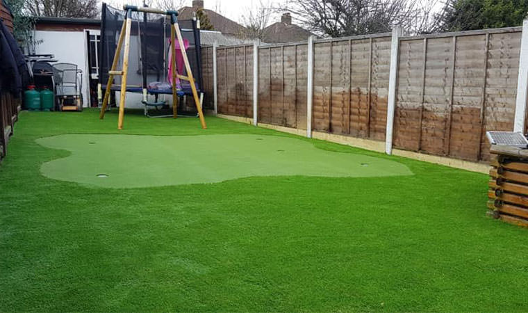 Artificial grass putting green Ilford