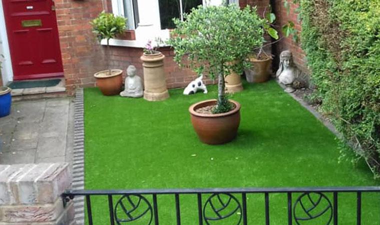 Beautiful front garden lawn Chislehurst