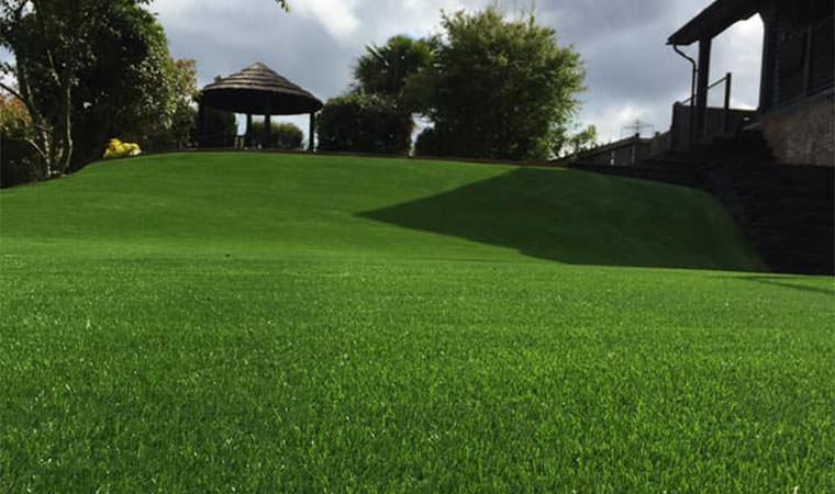 Large artificial grass garden complete