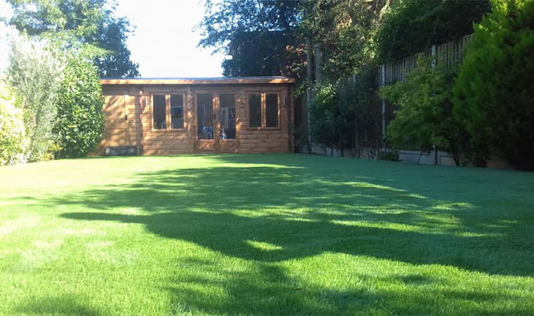 Linking summer house patio