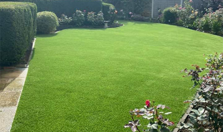 Large artificial grass install Gravesend