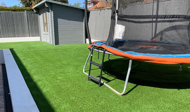 Artificial grass lawn fitted Kemsing