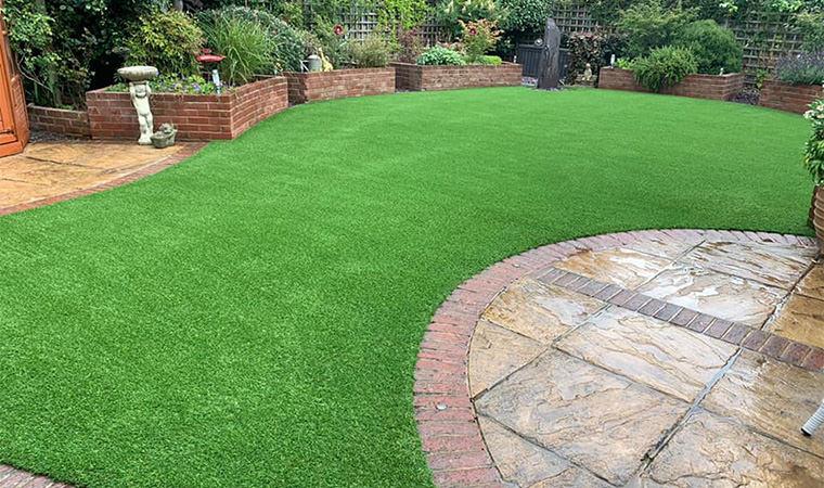Curved artificial lawn Bexleyheath